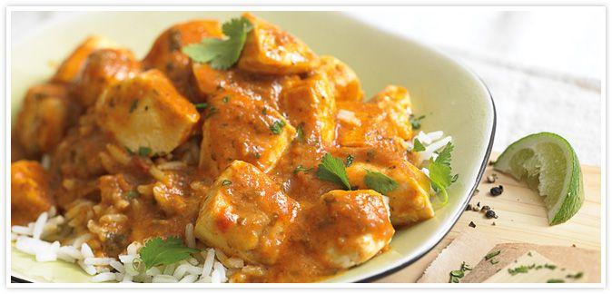 Μια πολύ εύκολη πολύ γρήγορη και πολύ νόστιμη συνταγή για κοτόπουλο σε σάλτσα κάρυ με πιλάφι. Ένα φαγητό για το οικογενειακό τραπέζι αλλά και τα επίσημα τρ