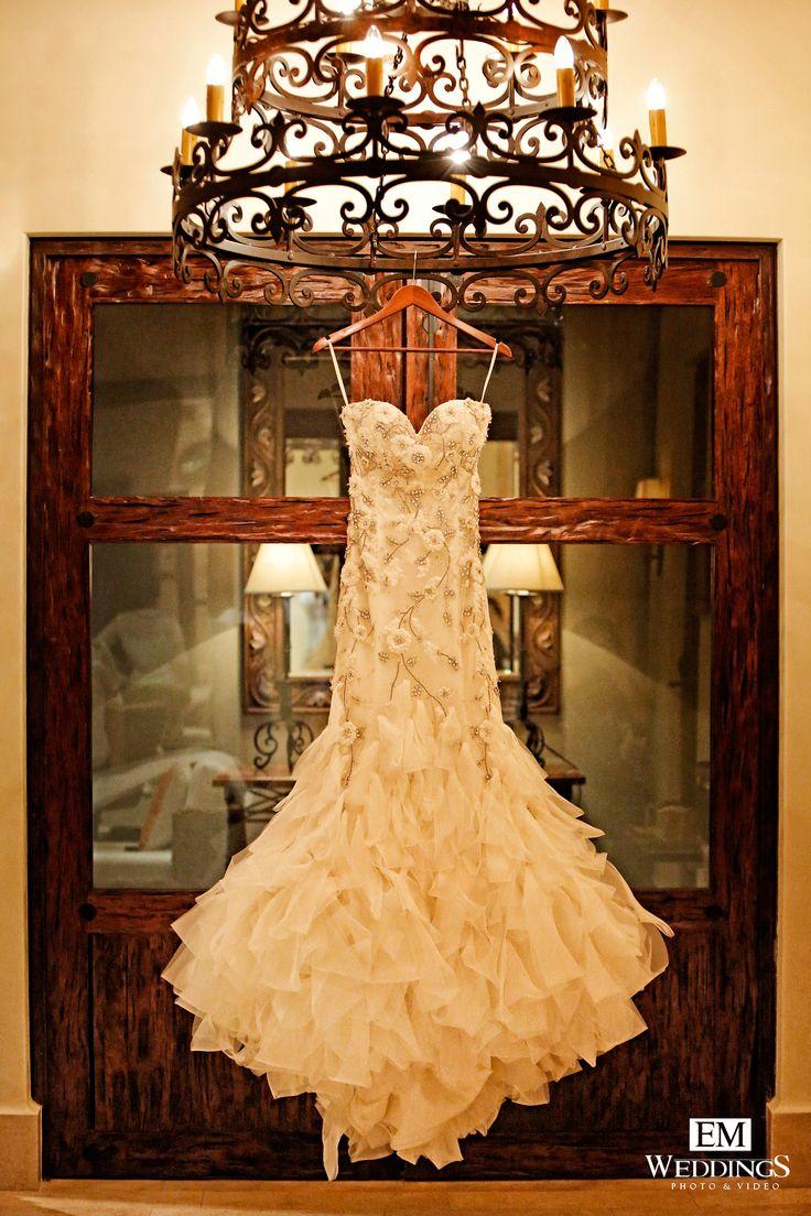 Bride, wedding dress, Los Cabos, México. #emweddings #destinationweddings