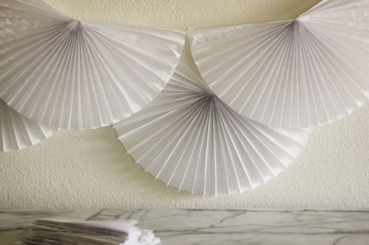 Easy Paper Fan Backdrop — Hank and Hunt Party Crafts