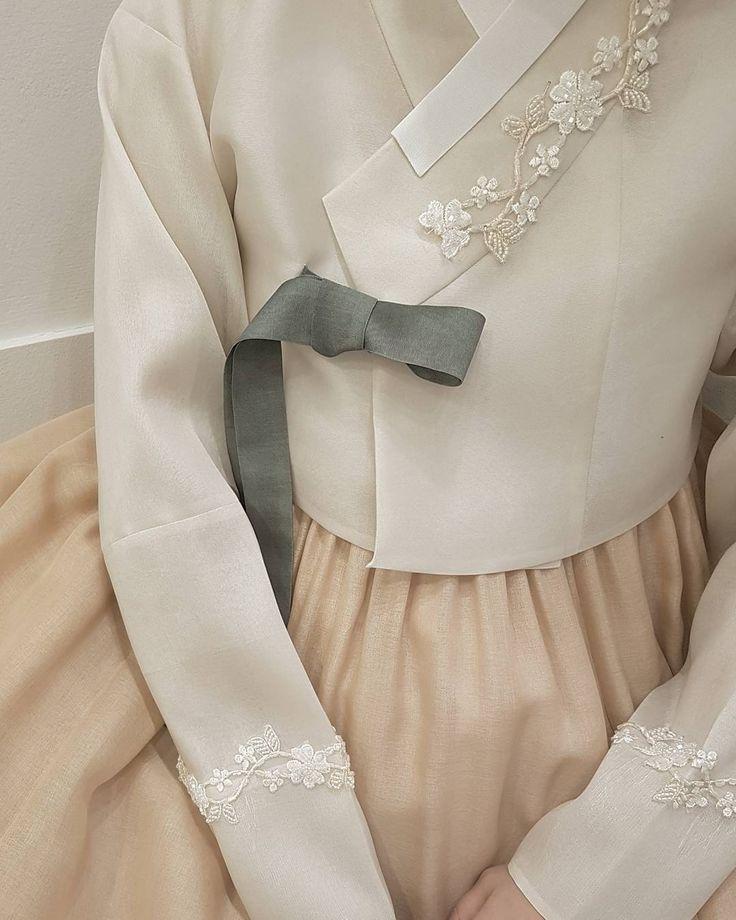 ㆍ ㆍ 봄 햇살 가득 따뜻하고 부드러운 신부한복 #spring#detail  #korea #hanbok