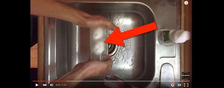 Mit diesem Trick kannst du ein hartgekochtes Ei in Sekundenschnelle pellen. Trick ✓ Hartgekochtes Ei ✓ Pellen ✓ Video ✓