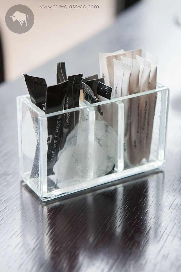 Pay attention to the details! Minimal style clear glass sugar sticks container with three compartments designed by www.the-glass-co.com Code: SC-08-17-CL422 Contact us at info@myglassstudio.com
