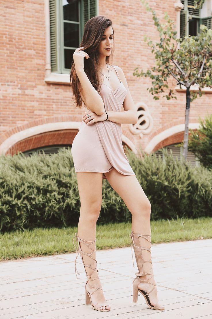 STREET STYLE - Bloggers Photography by Luis Lau - www.luislau.com - #fashion #style #stylish #beauty #beautiful #pretty #model #dress #heels #styles #outfit #jewelry #blogger #fashionblogger #barcelona #bloggerbarcelona #fashionphotographer #look #trendy #luislau #streetstyle #fashionmodel #agency #jeans #fotografo #moda #photographer #080barcelonafashion #080barcelona