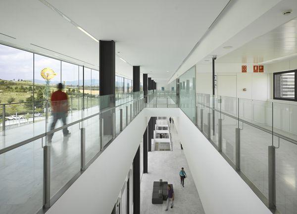 Mollet del Valles General Hospital | Mario Corea Arquitectura  Photo: Roland Halbe