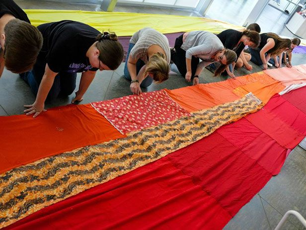 Making Good: Community Art With Brooklyn-based artist Amanda Browder: Amanda Browder, Brooklyn Bas Artists, Sewing Projects, Misc Oddities, Artists Amanda, Fun Ideas, Community Art