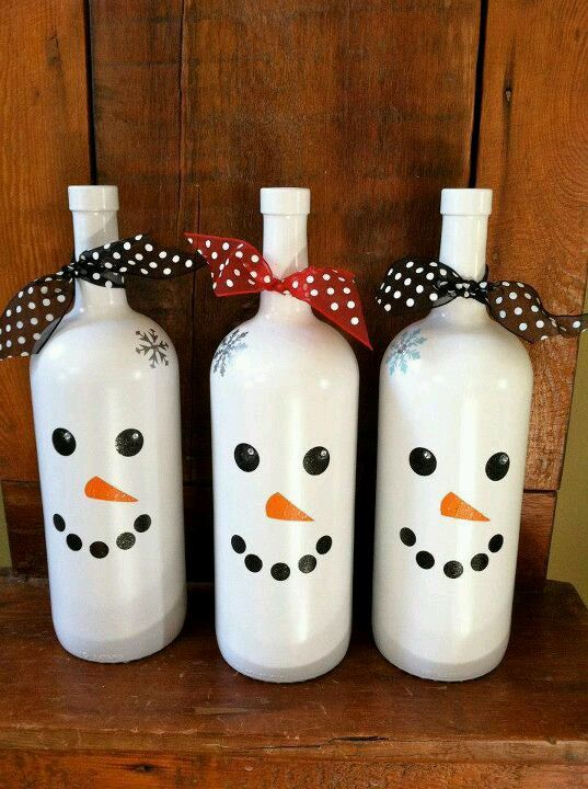 snowmen painted wine bottles/ acrylic paint and wine bottles...even cuter ones!