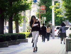 フジテレビ木10ドラマ『オトナ女子』の篠原涼子着用のファッションがかっこいい!ハイブランドで固めたアラフォーキャリアウーマン。女性らしい着こなしは是非真似したい...