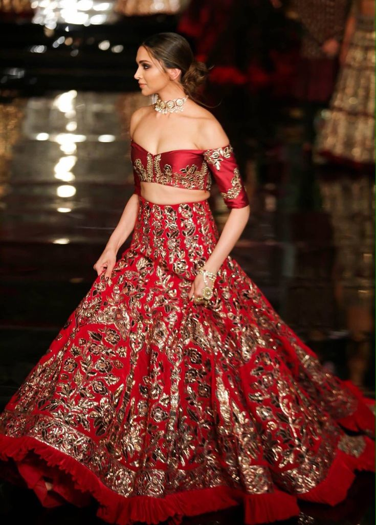 Deepika Padukone at Indian Couture Week 2016