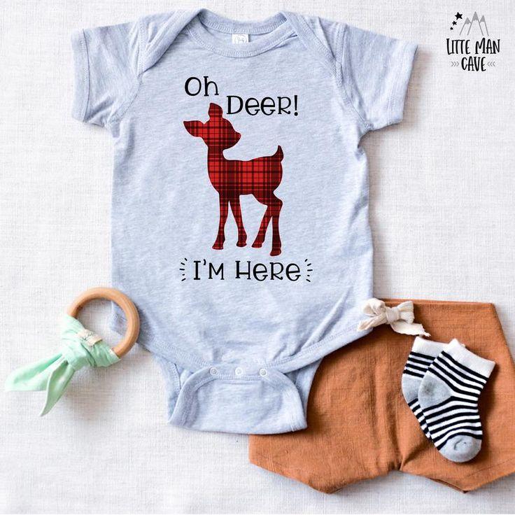 Oh Hirsch ich bin hier Neugeborenen Outfit, Oh Hirsch Baby Ankündigung, Plaid Hirsch Baby Kleidung, Holzfäller nach Hause kommen Outfit, Baby Heimkehr Outfit   – Red Lumberjack