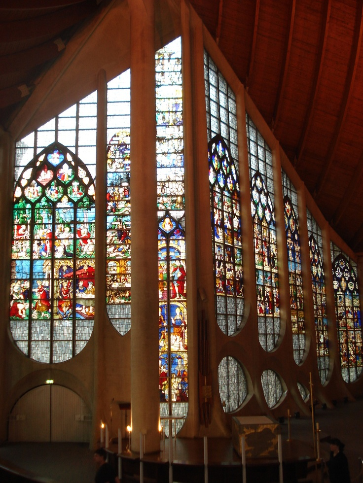 St. Jeanne d'arc Rouen France.  A mon avis, l'église moderne la plus belle du monde.