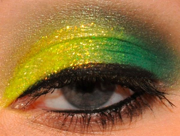 You could definitely pull this off for St. Patty's Day with our 100 Piece Palette! http://www.eyeslipsface.com/studio/eyes/eyeshadow/endless_eyes_pro_eyeshadow_palette_limited_edition