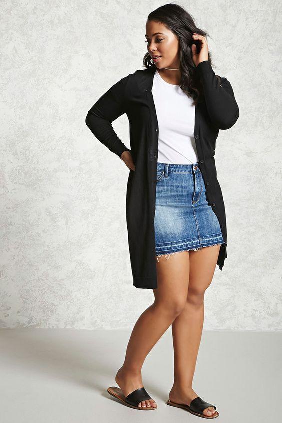 929854d93 T-shirt + minissaia  a dupla básica de salva dias de preguiça fashion -   GuitaModa. Cardigan preto