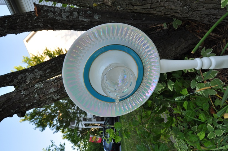 Easy to make recycled garden art sculptures vintage dish for Garden art from old dishes