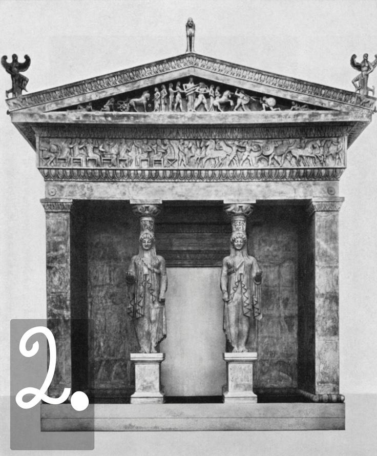 Questo edificio fu donato a Delfi attorno al 530 dalla città di Sifno, che si era arricchita grazie alle sue miniere. Si tratta di un edificio distilo ionico (cioè, aveva due colonne nel pronao) con due cariatidi al posto delle colonne. All'interno, come negli altri tesori, c'erano le offerte vere e proprie ai sacerdoti e alle divinità di Delfi.