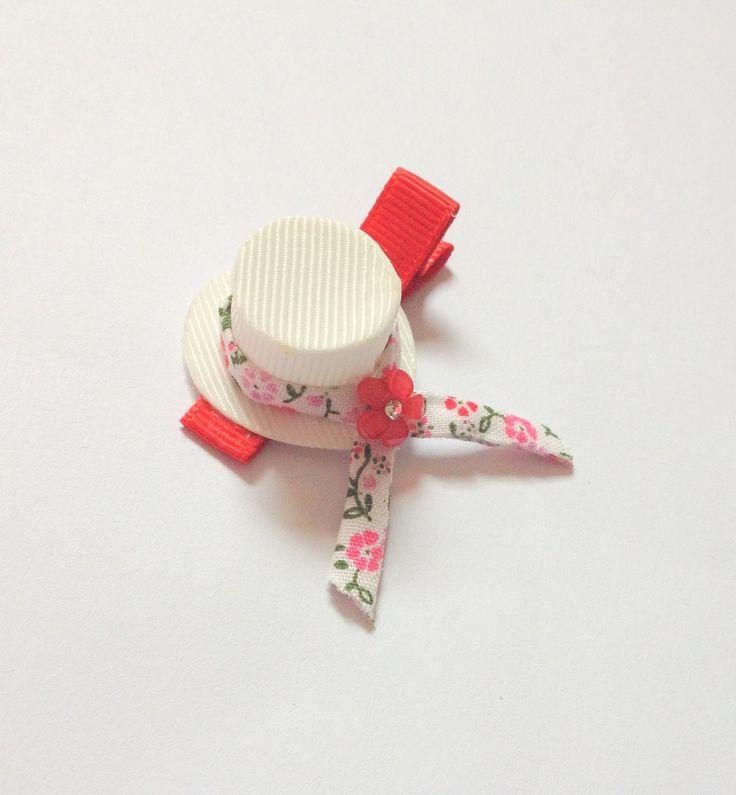 Barrette chapeau blanc style printanier et romantique : Accessoires coiffure par croc-o-barrettes-et-compagnie