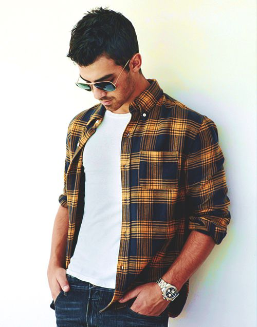 Joe Jonas - love a man in a plaid button up with aviators