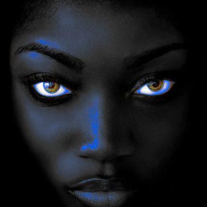 BLACK WOMAN- WRITE IN THE GLOBAL JUNGLE- BELLEZA AFRICANA