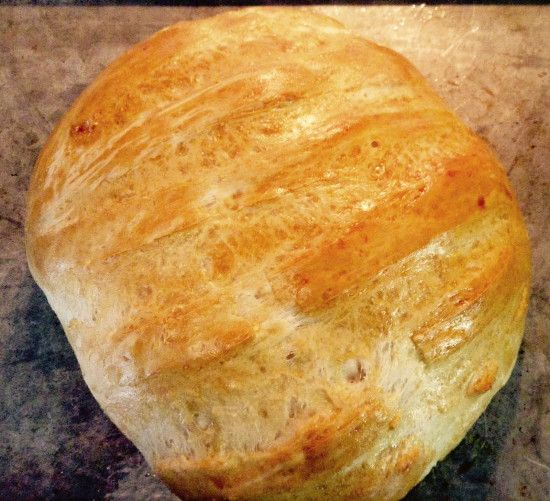 Have you always wondered how to make the perfect French loaf bread from home, by hand, but easily? Well, that is what we are sharing with you today. Homemade breads are like the ultimate comfort food and the ultimate treat, especially in the cooler months!
