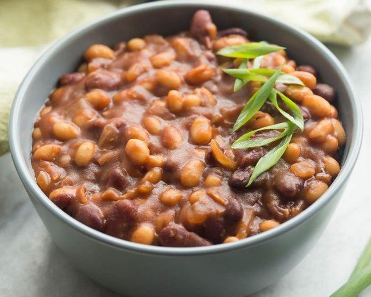 Deux sortes de fèves, du sirop d'érable, du vinaigre balsamique et une super grosse quantité! C'est super facile et ça vous fera plusieurs repas nourrissants pour la semaine!