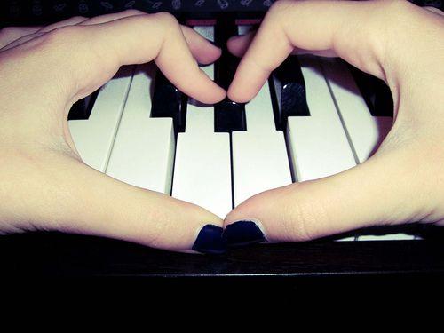 Music is Love.: Beats, The Piano, Music Joy, Piano Music, Photography Piano, Piano Plays, Black Keys, Cute Pics Ideas, Art Music