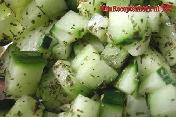 Frisse feta komkommersalade recept