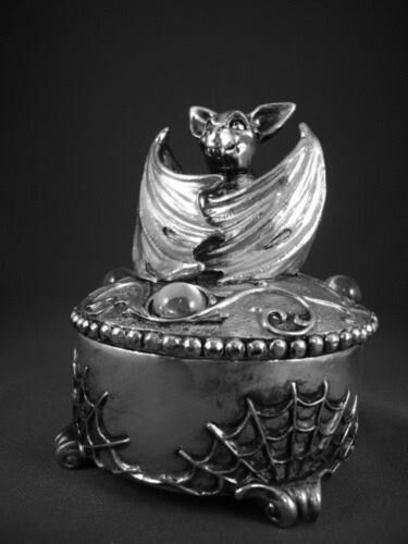 silver box with cobwebs and bat | Gothic 2 | Pinterest