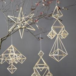 Himmeli ornaments for Christmas, made from natural straw.