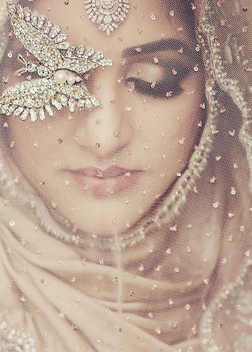 Gorgeous Hijabi | Probably the most gorgeous hijabi image I've ever pinned!