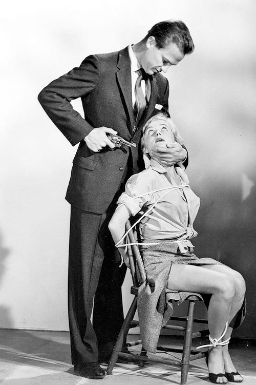 Cloris Leachman & Ralph Meeker in 'Kiss Me Deadly', 1955.