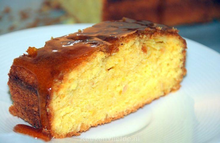 Deze oranje sinaasappelcake met zoete sinaasappelsiroop is een lust voor het oog en een genot voor je smaakpapillen!