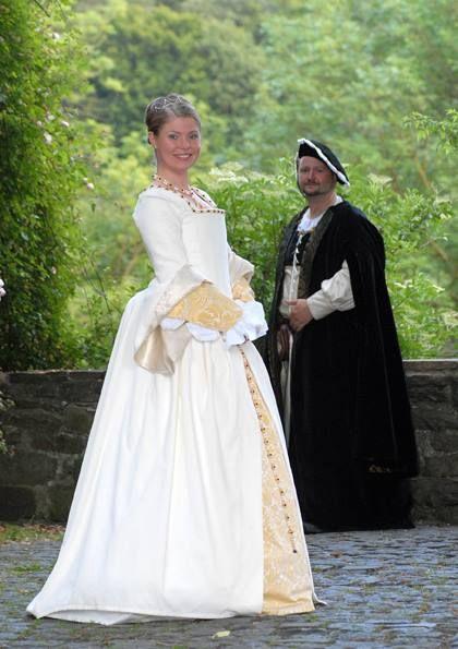 Beautiful Tudor Wedding Costumes Made By Christina Dettmers. Wedding  CostumesRenaissance CostumeTudorPicture IdeasBeautiful ...