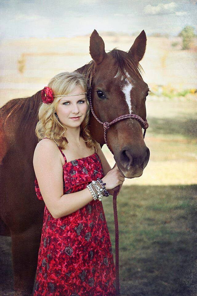 Senior pictures thanks to @Linda Bruinenberg Albrecht