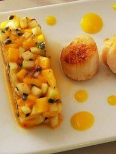 SAINT-JACQUES POÊLÉES AVEC SAUCE MANGUE ET ORANGE À LA PLANCHA Un plat à la plancha avec des saveurs travaillées et simple à réaliser. Une recette qui ravira les fins gourmets ! http://www.verycook.com/blog/plat-plancha/saint-jacques-poelees-avec-sauce-mangue-et-orange-a-la-plancha