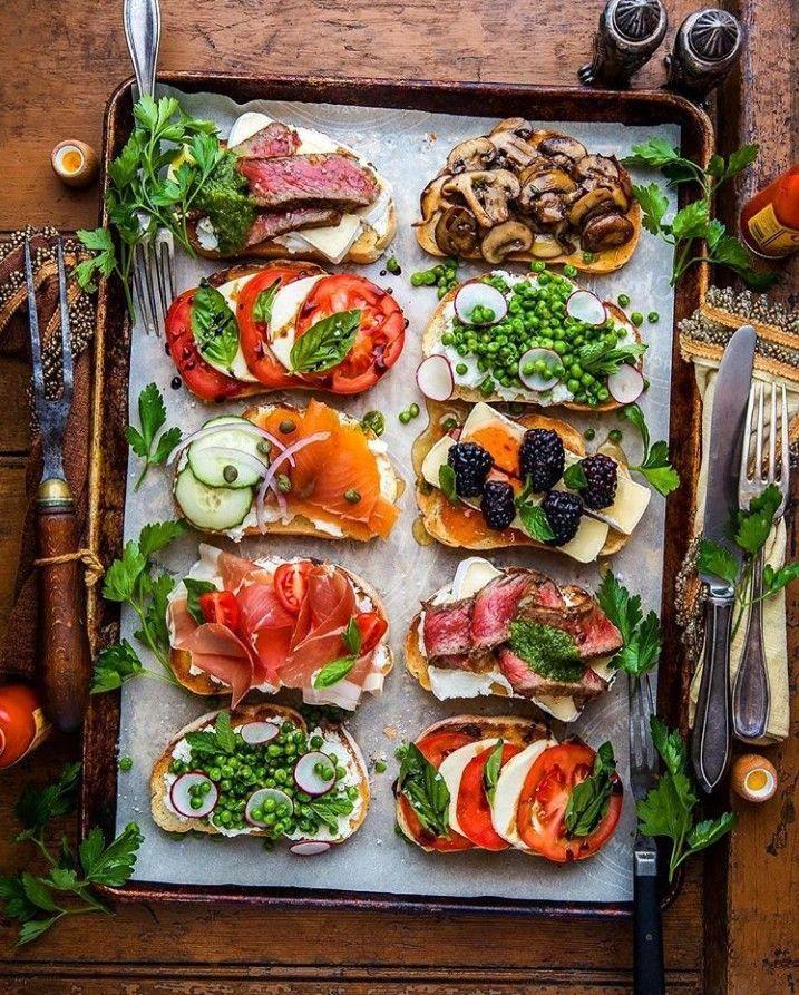 Il toast al mattino è un modo eccellente per aggiungere varietà e …