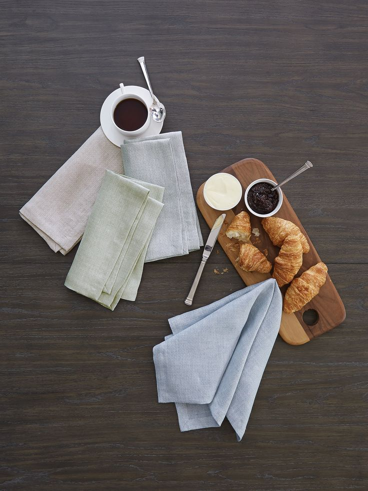 Hamilton's subtle pattern has an ordered elegance to it, while a super-supple weave of pure linen gives it a soft hand and relaxed feel.