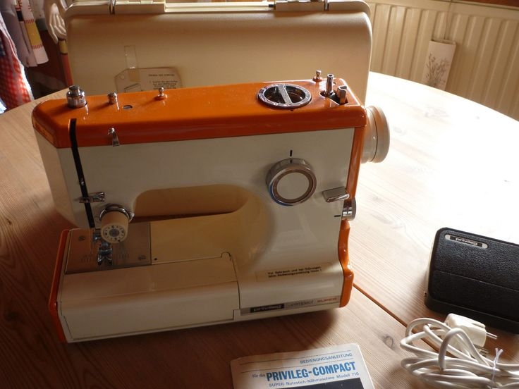 Privileg-Compact Super-Nähmaschine mit Anleitung+Koffer-70er Made JAPAN (Kenmore 158.1030 or 1040?)
