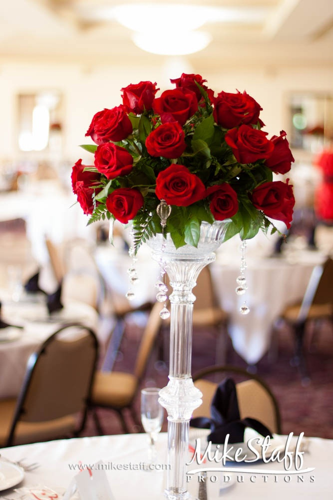 Crystal Candle Stand With Red Roses And Hanging Crystals Wedding And Party Ideas Pinterest