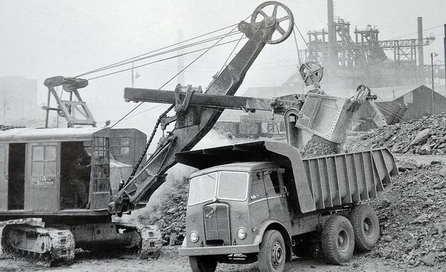 dump truck steam shovels pinterest trucks photos. Black Bedroom Furniture Sets. Home Design Ideas