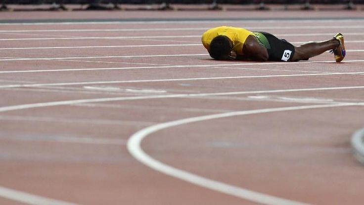 #SPORT : TERRIBLE - Que cette fin de carrière est cruelle ... Dans la finale 4x100m masculin, la dernière fête d'Usain Bolt samedi soir, l'ultime révérence du patron du sprint, ce dernier s'est claqué, en plein milieu de sa course, ne pouvant finir son relais, remporté par la Grande-Bretagne. Triste fin pour une légende.