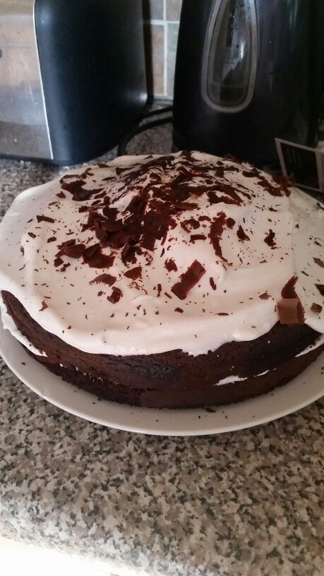 Chocolate cake with nougat frosting I made - delicious !