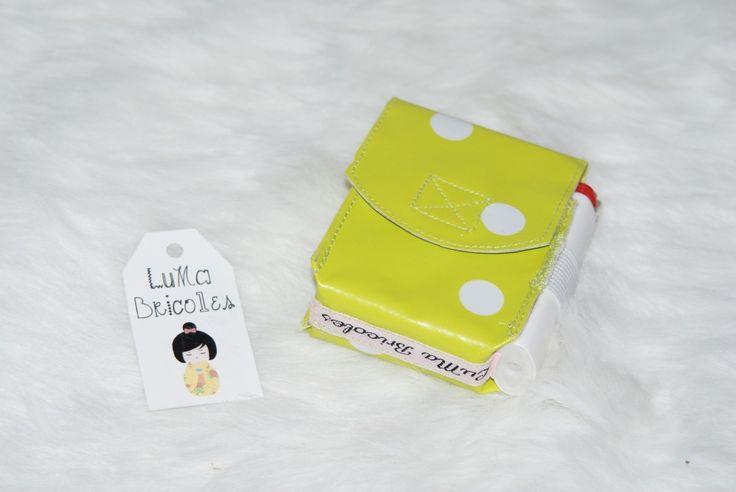 Etui à paquet de cigarettes en toile cirée anis à pois blancs : Etuis, mini sacs par luma-bricoles