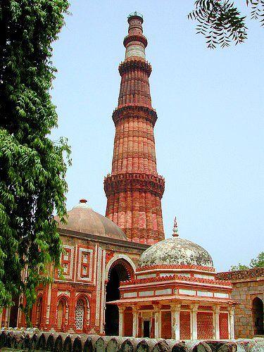 Qubat Minar - Architecture of India - Islamic influence (1586-1857)