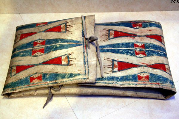 Cheyenne painted parfleche bag 1920 at denver art museum for Cheyenne tribe arts and crafts