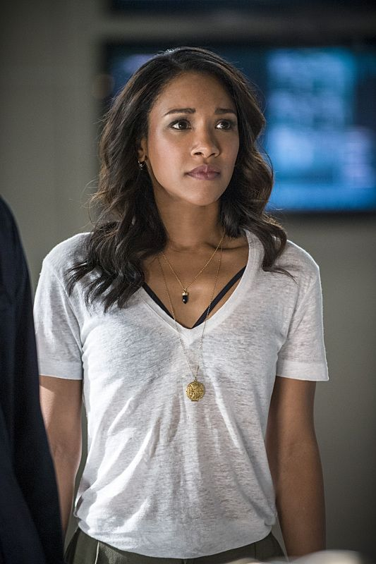 "The Flash - Iris West #2x01 #Season2 Premiere ""The Man Who Saved Central City"" Stills"