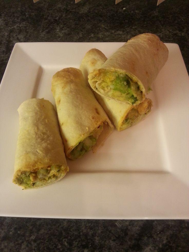 Er is weer een heerlijk recept ingestuurd naar AirfryerWeb. Deze burrito met kipfilet en avocado maak je snel met behulp van de Airfryer. Recept: http://www.airfryerweb.nl/recepten/burrito-met-kipfilet-avocado/