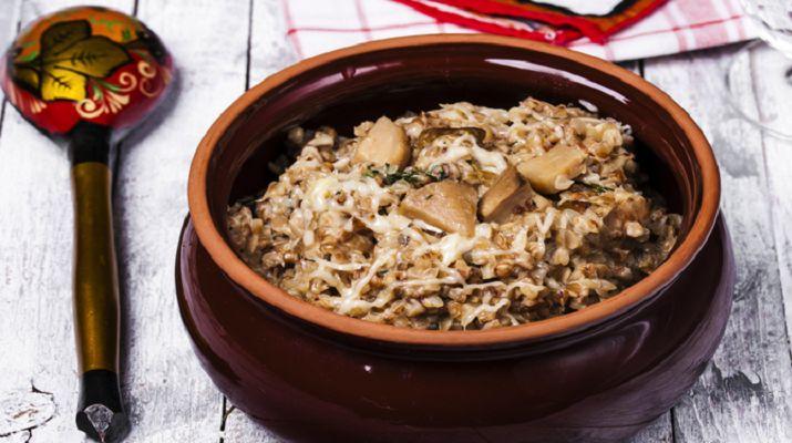 Казалось бы, гречка уже немного надоела, хочется чего-нибудь нового... Представляем Вам рецепт, благодаря которому наша родная гречка станет гораздо вкуснее любого ризотто или пасты!