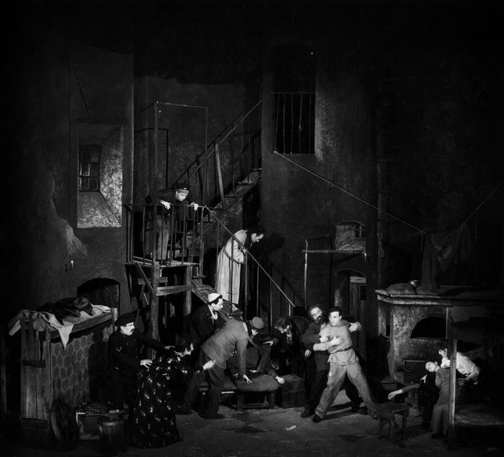 1947 L'albergo dei poveri di Maxim Gorkij, regia di Giorgio Strehler, foto Archivio Piccolo Teatro di Milano