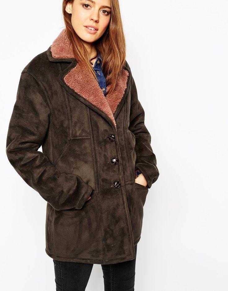 1000 id es sur le th me manteau en peau de mouton sur pinterest fourrure vestes et manteaux. Black Bedroom Furniture Sets. Home Design Ideas