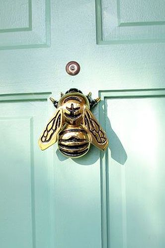 Knock, knock! Reinvent your front door with a stylish door knocker and a fresh coat of Benjamin Moore paint! Head to my website for the shopping guide - 36 unique door knockers and 10 fabulous front door paint colours to give your visitors a proper spring welcome! www.sarahrichardsondesign.com