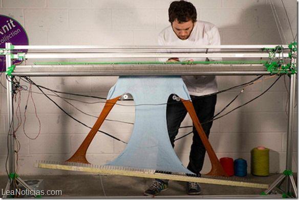 Crean impresora textil que permite imprimir tu propia ropa - http://www.leanoticias.com/2014/02/19/crean-impresora-textil-que-permite-imprimir-tu-propia-ropa/
